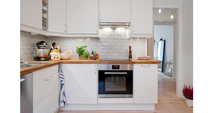 ¿Cómo pintar los anaqueles de tu cocina?