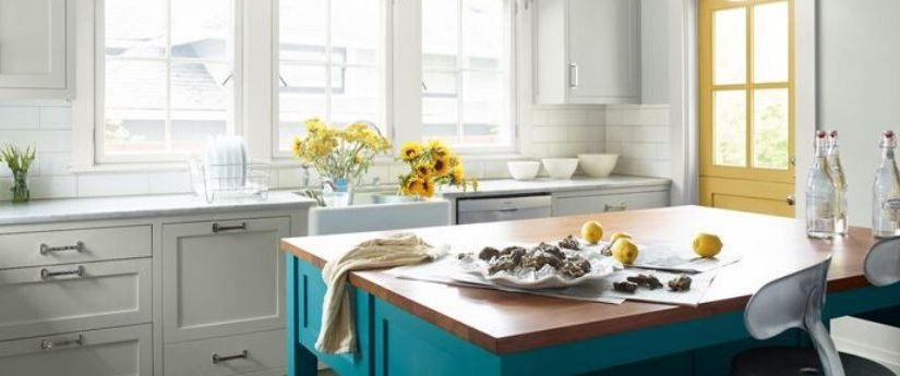 En este espacio, le da a la cocina un toque de color sin que se sienta demasiado brillante o moderno